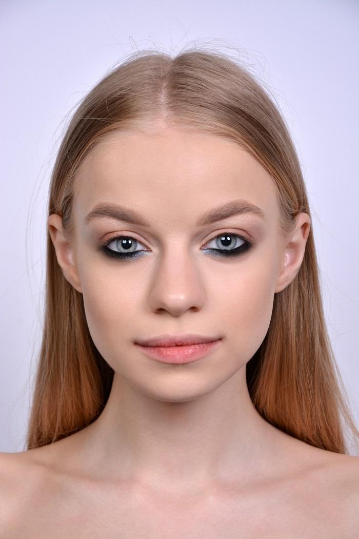 макияж с графичными стрелками