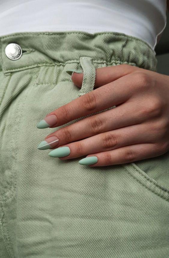 геометрия в дизайне ногтей миндаль