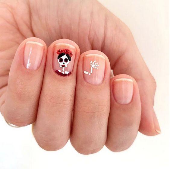 маникюр на Хэллоуин на короткие ногти