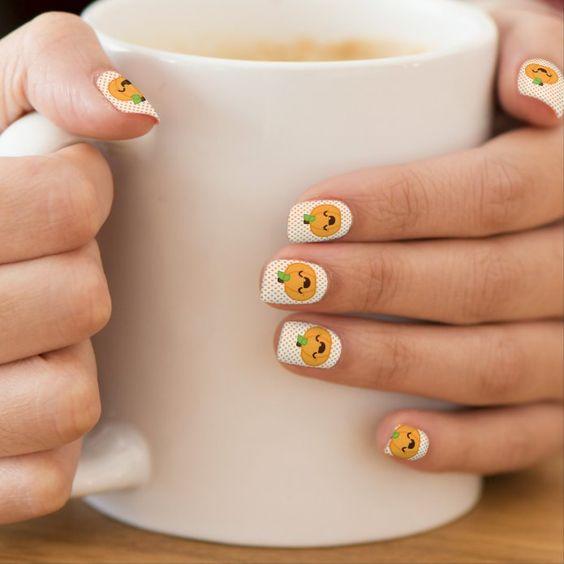 тыквы на ногтях