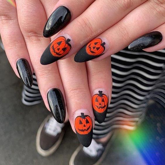 осенний дизайн ногтей с тыквой 2020